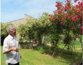 千度玫瑰城堡(Chateau Mille Roses)